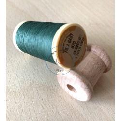 Bobine de fil à gant couleur 812