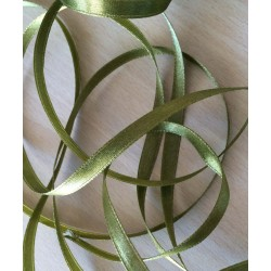 joli ruban satin couleur vert mousse 606