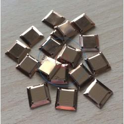 paillette cabochon carré couleur or nacrolaque irisé