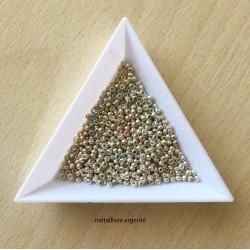sachet de perles de rocaille couleur argent